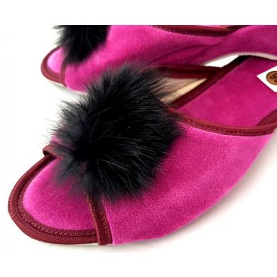Kapcie damskie Pantofle pompony